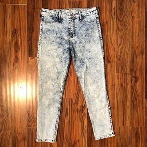 Hollister Skinny Jeans - 7 / w28